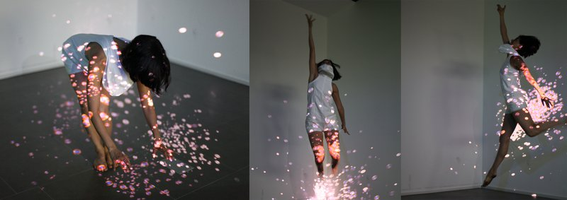 Figure 5 - Shin'm 2.0 dance performance at the Doosan Gallery in Seoul, Eunsu Kang, Donald Craig, and Diana Garcia-Snyder, 2011. © Eunsu Kang, 2011. Used with permission.