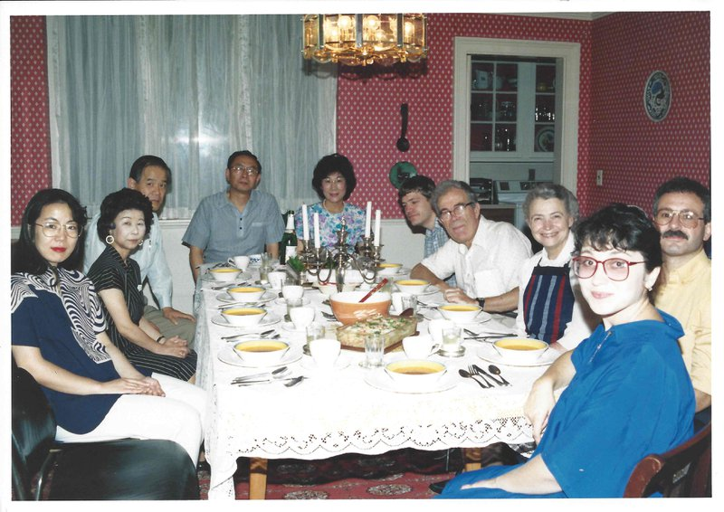 Dinner with Dresselhaus's, 1986. Picture by Nobiyuki Kambe.