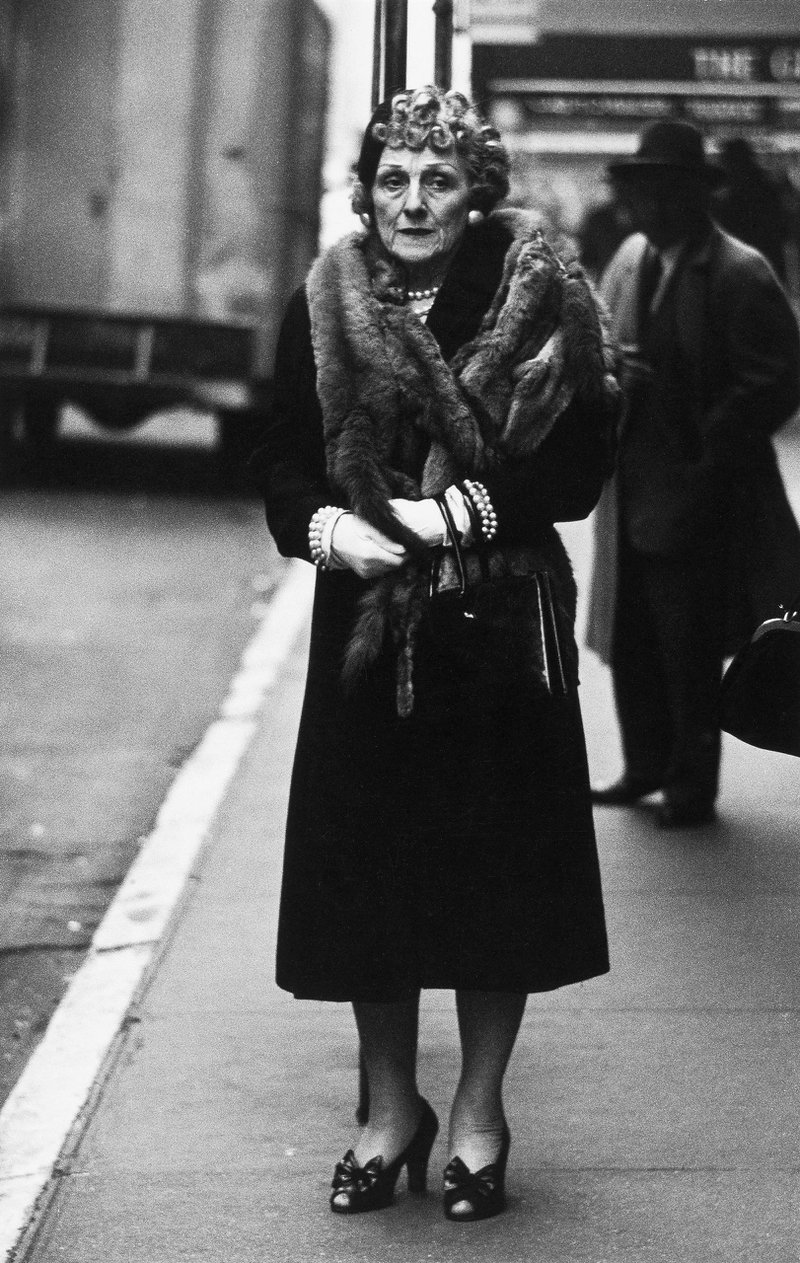 <p>Woman in a mink stole and bow shoes, N.Y.C. 1956. (Photo by Diane Arbus)</p>