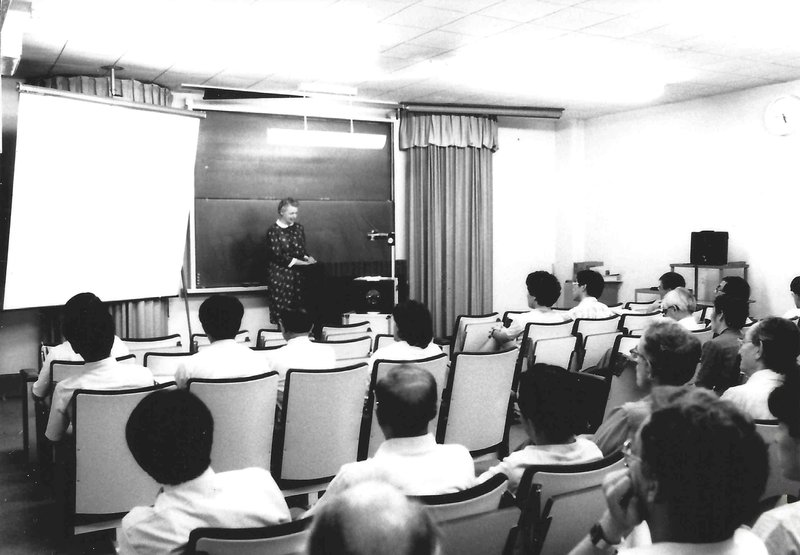 Millie lectures at MIT.  Photo courtesy of Dresselhaus Family