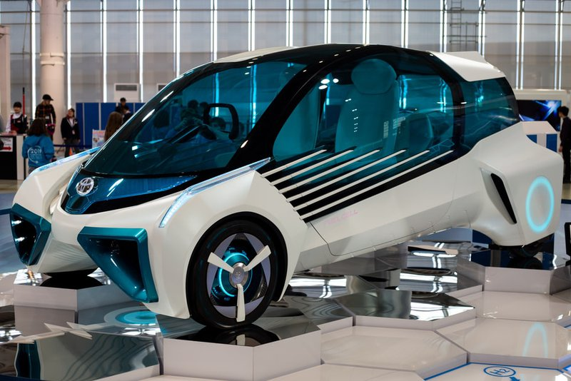 <p>Toyota Hybrid Concept Car. A car that can be driven on water and land [14].</p>