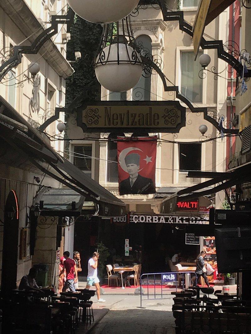 <p>Istanbul streetscape. Photo by Evropi Chatzipanagiotidou.</p>