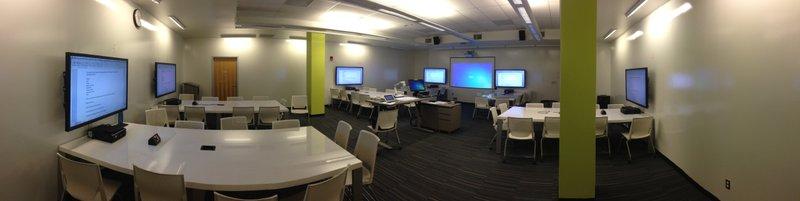 <p>Active Learning Classroom, CSU, Long Beach. Photo: Authors</p>