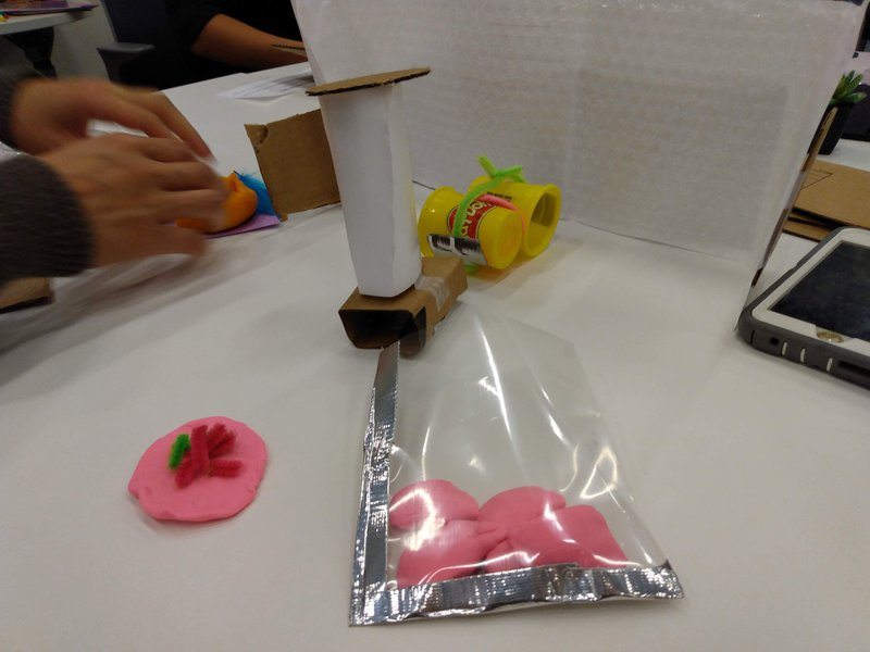<p>Zero-G food pouch (credit: ML Learning)</p>