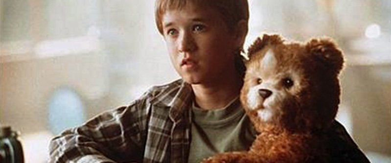 <p>David (a child android for the mother's companion) and his own companion Teddy who is an android bear.</p>