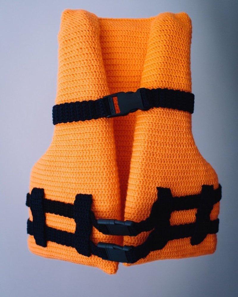 <p>Child's life jacket. Photo courtesy of Knitstanbul.</p>