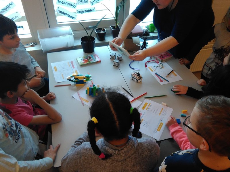 <p>Design your AI companion activity with paper and LEGO during author's study in an international school in Billund, Denmark in 2018</p>